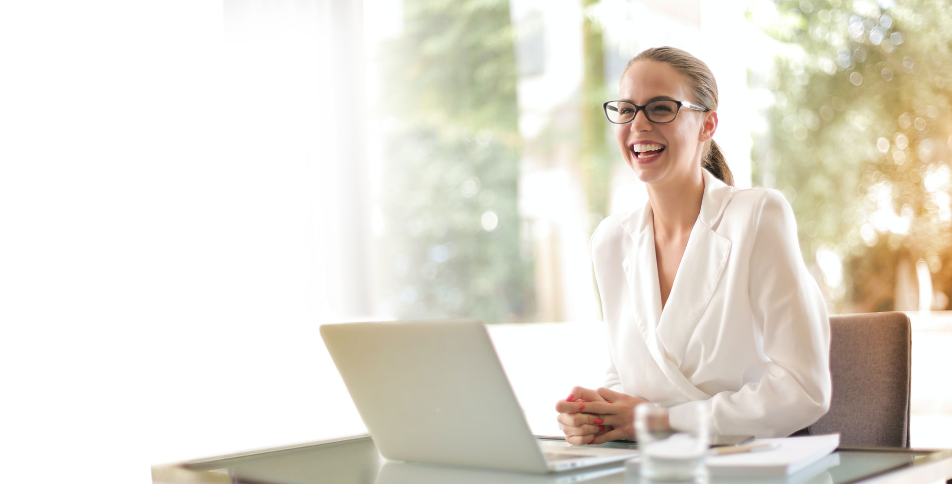 Business woman working with confidence